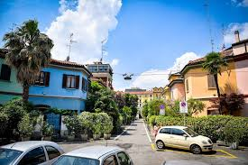 Milan, guided tours in via Lincoln